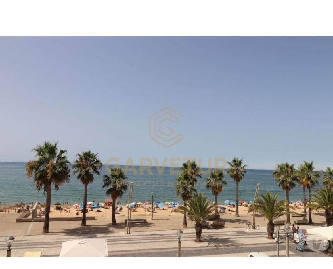 Algarve, apartamento t2 situado frente mar no calçadão de