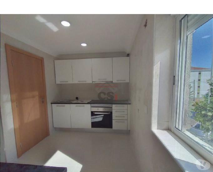Apartamento com quatro assoalhadas remodelado (csi a 00703)