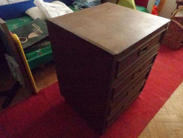 Movel com gavetas em madeira apoio televisao comoda