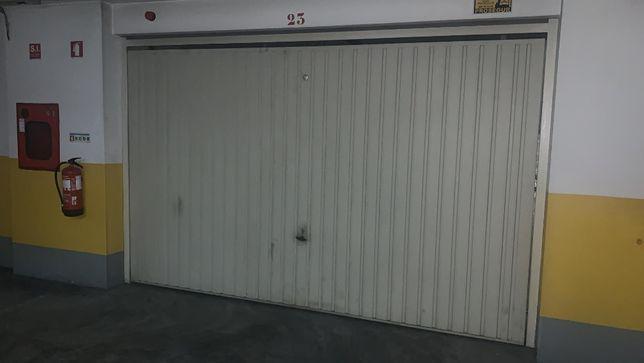 Vendo portão garagem basculante