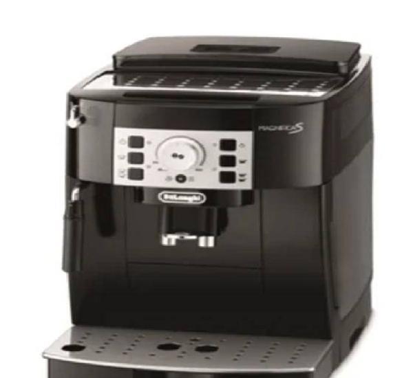 Máquina de café automatica delonghi magnifica