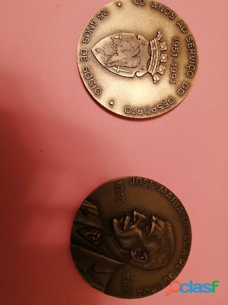 2 medalhas em bronze