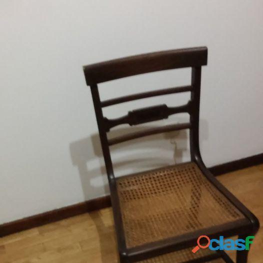 2 cadeiras antigas com assento em palhinha