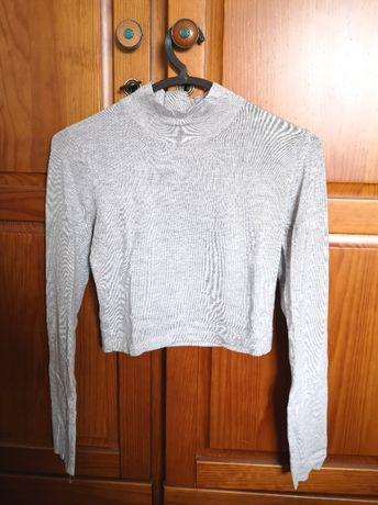 Camisola curta e justa cinzenta stradivarius, tamanho s