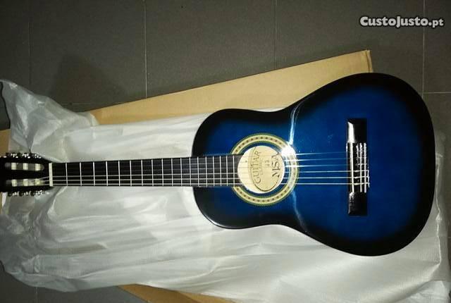 Guitarra clássica 1/4 de crianças de cor azul
