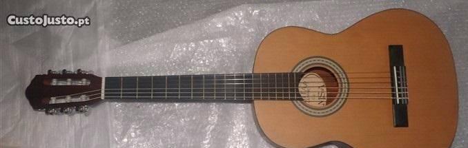 Guitarra clássica 4/4 castanha mate e set