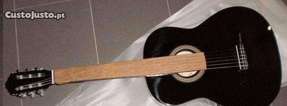 Guitarra clássica 4/4 preta e set