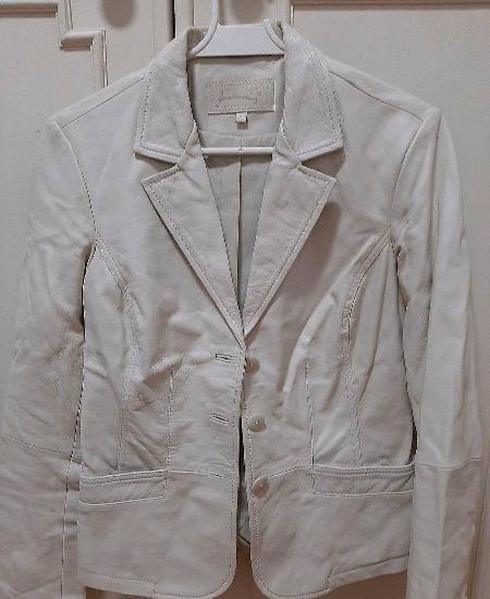 Casaco branco em napa