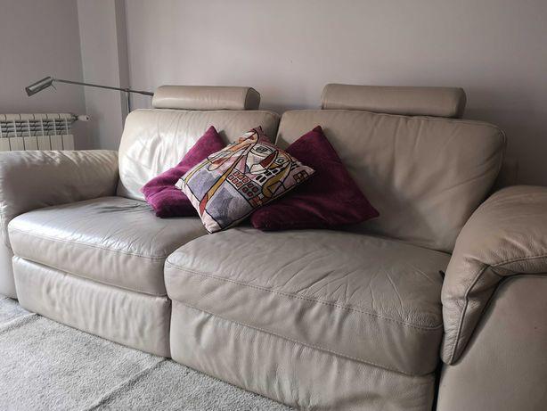 Sofa divani em pele 3 lugares