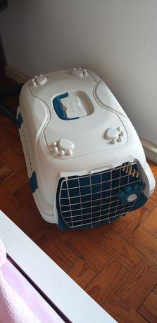 Transportadora de animais nova