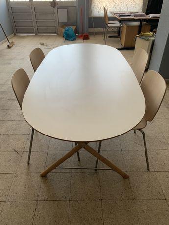 Mesa com 4 cadeiras ikea