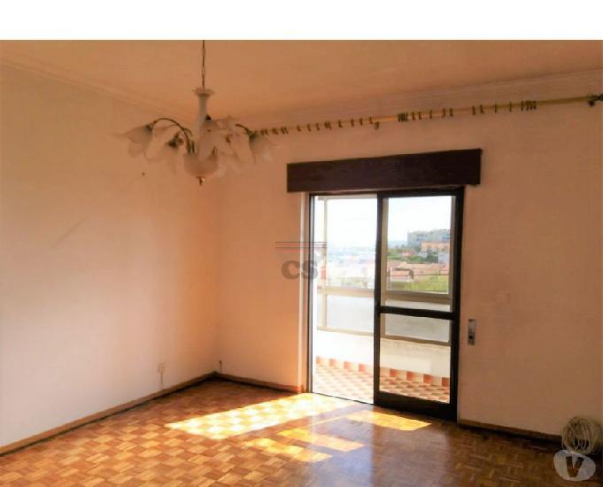 Vila-franca-de-xira-apartamento t2 com garagem (csi a 00828)