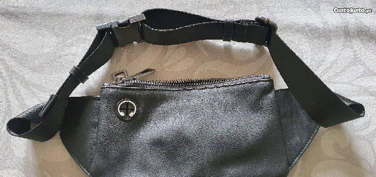 Bolsa cintura em pele unissexo