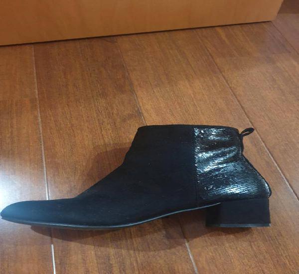 Botas pretas tacão 5cm, tamanho 38