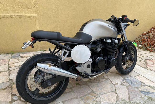 Kawasaki 750 café race