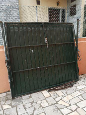 Portão garagem ferro