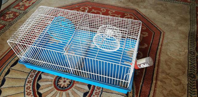 Gaiola hamsters ou equivalente dupla com divisória no meio