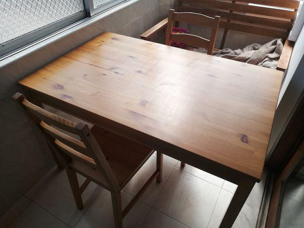 Mesa jantar madeira + 4 cadeiras ikea