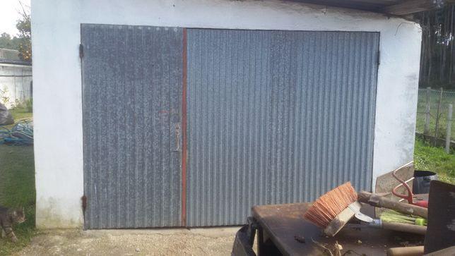 Portão de garagem usado com aro