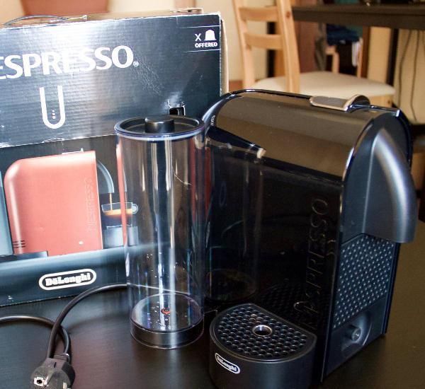 Máquina de café delonghi nespresso u (black)