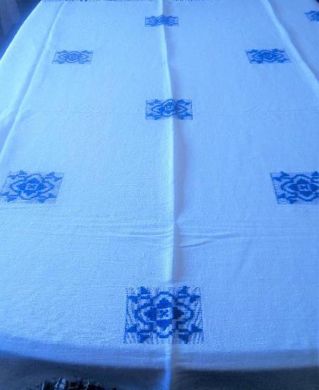 Toalha mesa linho bordada 1,45x1,40