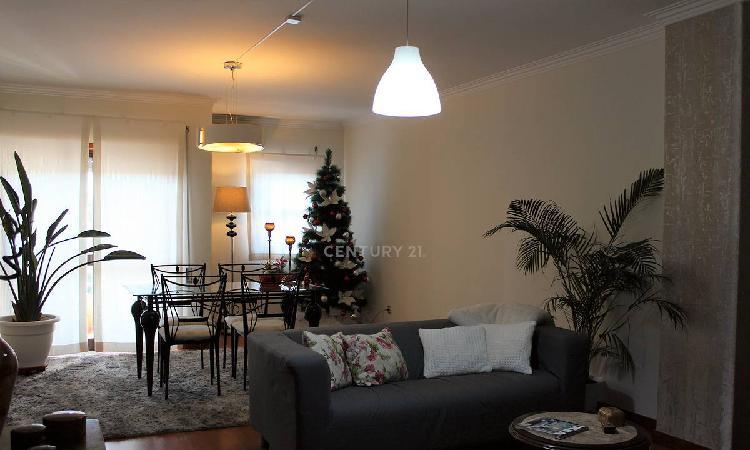 Apartamento t2 92,50 m2