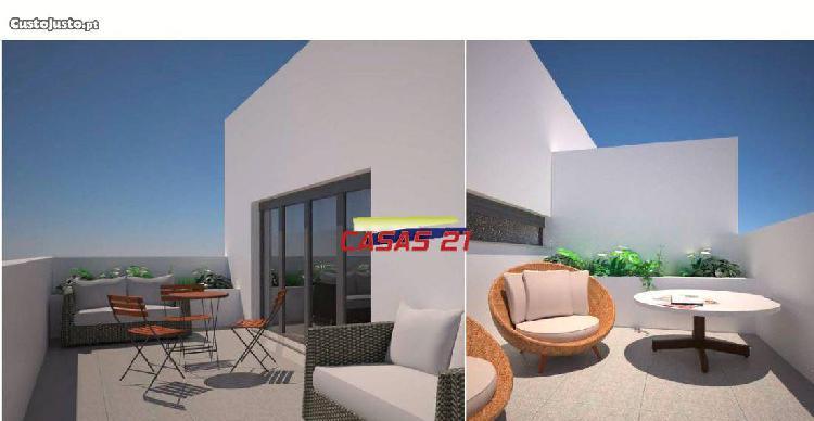 Fantástico t3 -com terraço-último pis...