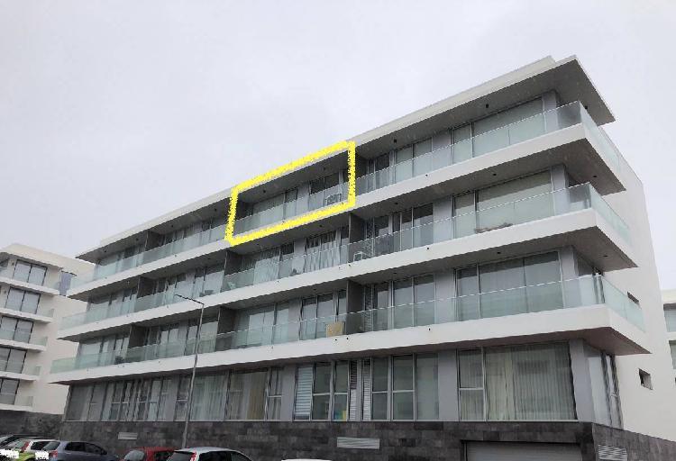T2 varanda panoramica, elevador, 2 i.sanitarias