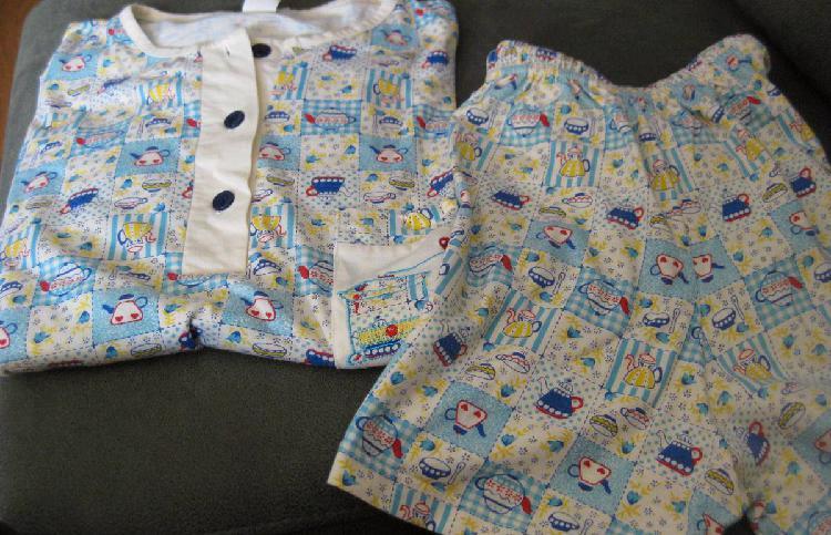 Pijama de mulher novo de verão em tons azuis