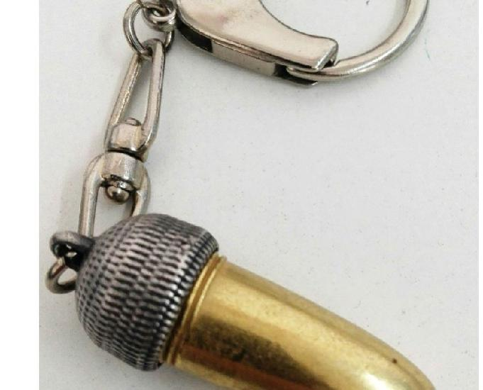 """Cabeça de víbora"""" amuleto da sorte"""