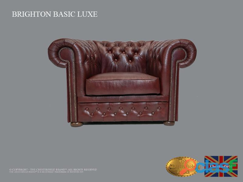 Poltrona Chesterfield Brighton Basic Luxe, Couro, Vermelho Escuro