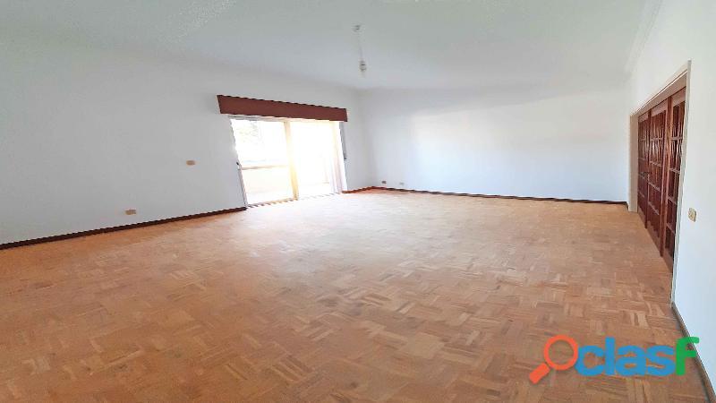 Apartamento Fantástico T2 + Terraço + Varanda) Junto Estação CP Cacém 4