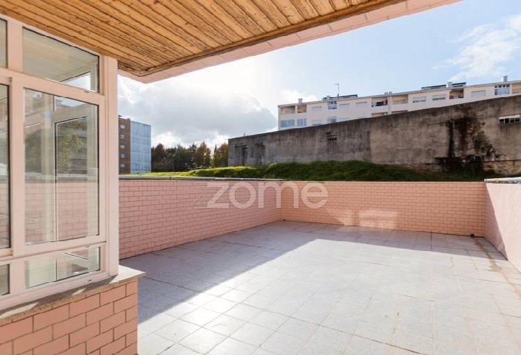 Apartamento t2 renovado em s. vitor - braga