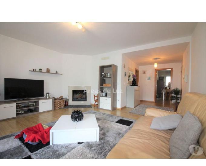 Apartamento t3 como novo - garagem coletiva e sótão