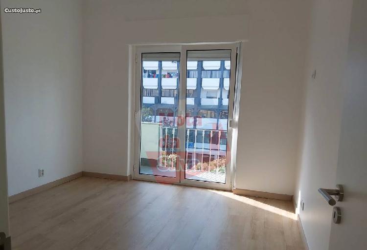 Excelente apartamento t3 em almada