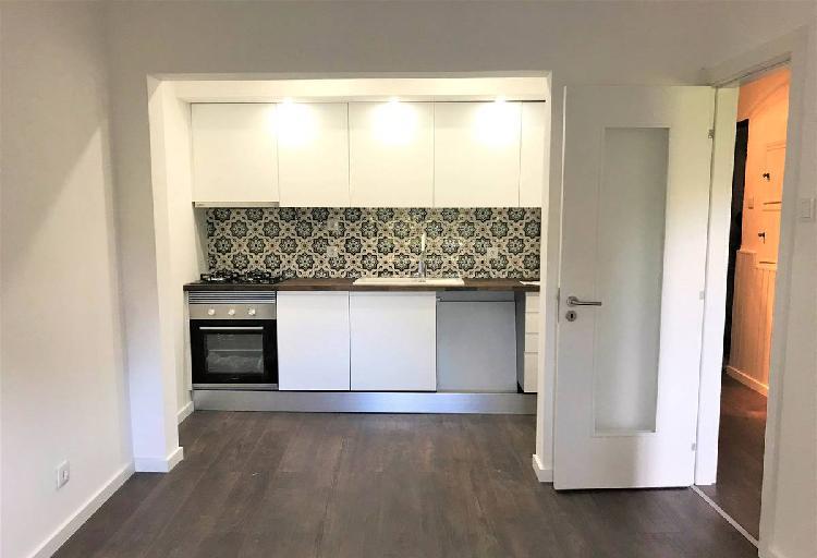 T1 remodelado com cozinha equipada