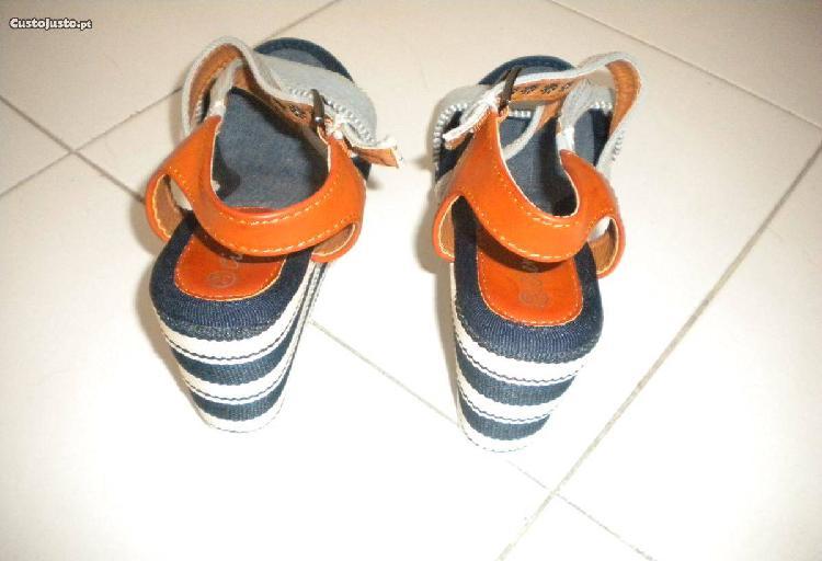 Sandálias - novas
