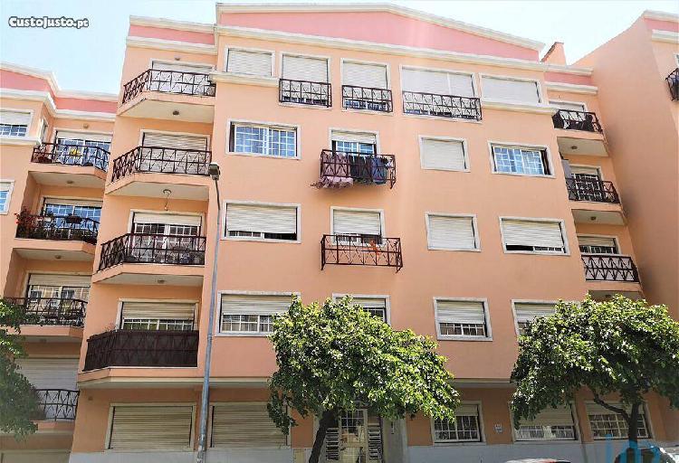 Apartamento - 80 m² - t2