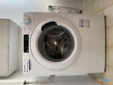 Máquina de roupa