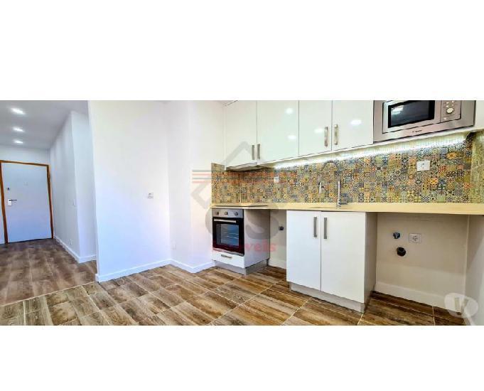 Apartamento t1 totalmente remodelado na tapada das mercês