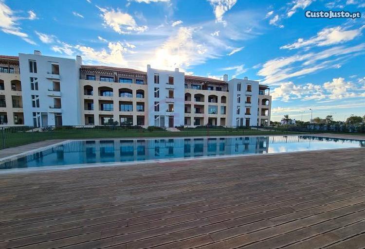 Apartamento novo com 2 quartos e piscina em...