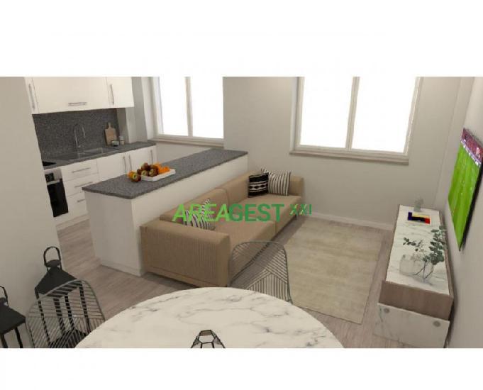 Apartamento t2+1 remodelado c arrecadação para venda, em