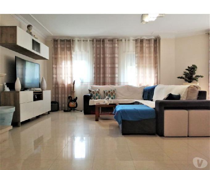 Apartamento t3 como novo em condomínio fechado (csi a