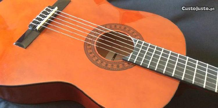Excelente guitarra clássica