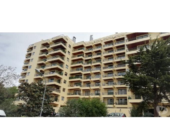 Oeiras-apartamento t4 - carnide (2104 019ol)