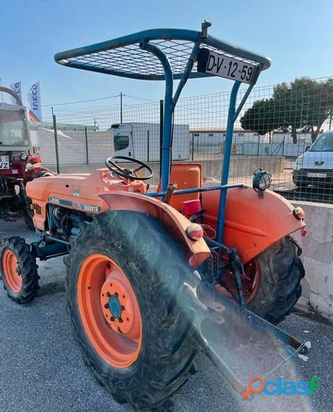 Trator Kubota L285 2000€